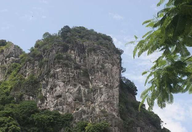 núi bài thơ